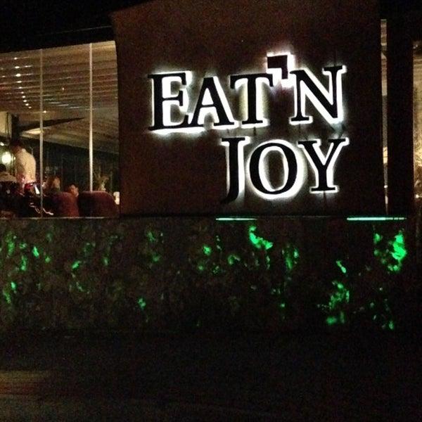 2/12/2013 tarihinde TRKN S.ziyaretçi tarafından Eat'n Joy'de çekilen fotoğraf