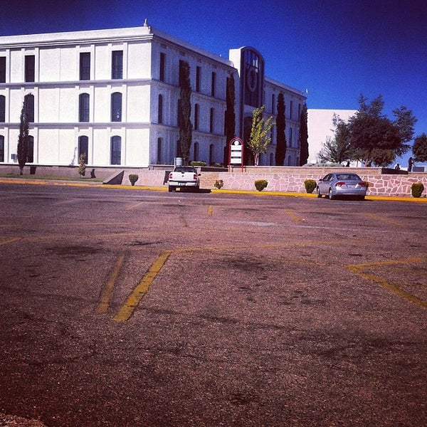 Photo taken at Universidad Autónoma de Durango Campus Zacatecas by Maureen I. on 12/12/2012