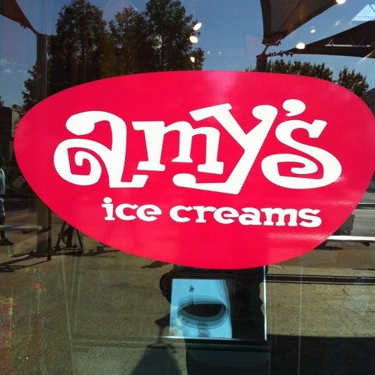 11/3/2012 tarihinde Cassie G.ziyaretçi tarafından Amy's Ice Creams'de çekilen fotoğraf