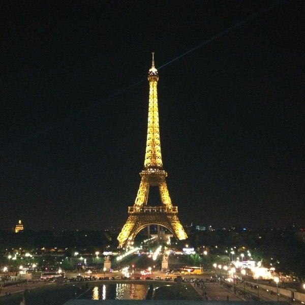 Photo prise au Place du Trocadéro par Nan S. le6/29/2013