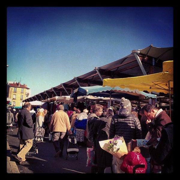 March de la croix de chavaux farmers market in montreuil - Piscine de croix de chavaux ...