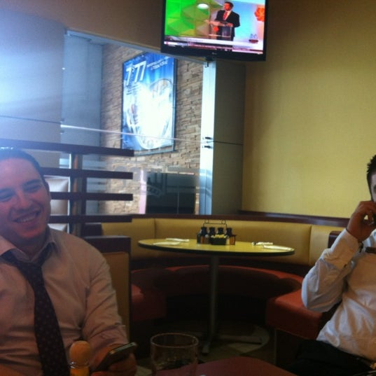 Photo taken at IHOP by Feo on 5/8/2012