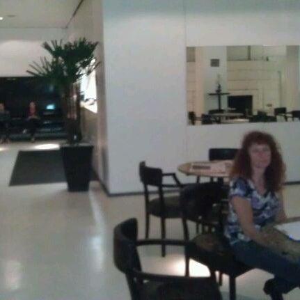 Foto tirada no(a) Normandie Design Hotel por Josef R. em 10/4/2011