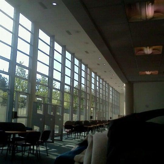 Foto tomada en Universidad Andrés Bello por Maximiliano S. el 10/17/2011