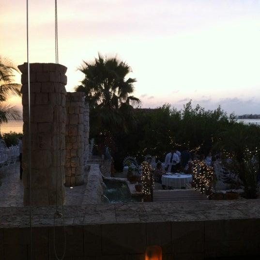 Foto tomada en La Habichuela Sunset por Brad B. el 4/7/2012