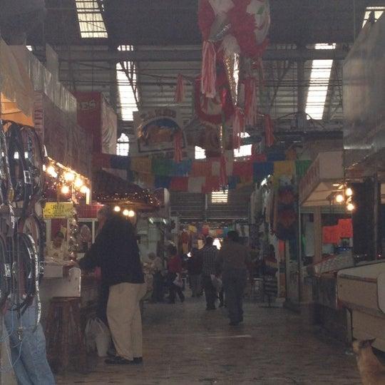 Foto diambil di Mercado Pino Suarez oleh Michelle M. pada 12/27/2011