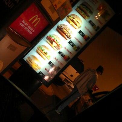 Photo taken at McDonald's by Eduardo A. on 8/31/2012