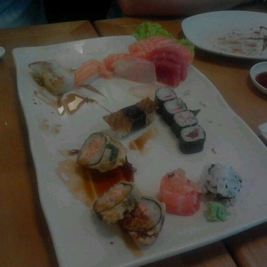 Foto tirada no(a) Sushi Koba por Francisco V. em 2/1/2012