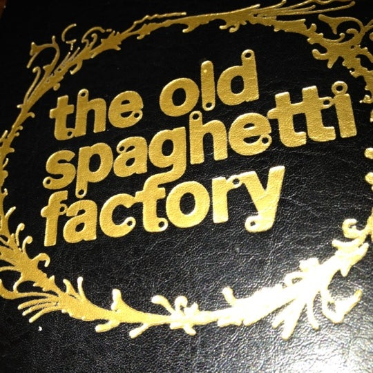 Attend a live murder mystery dinner at The Old Spaghetti Factory in San Diego, California with the help from the experts in mystery entertainment.