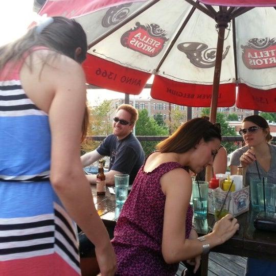 Снимок сделан в Twisted Spoke пользователем Drew S. 6/30/2012
