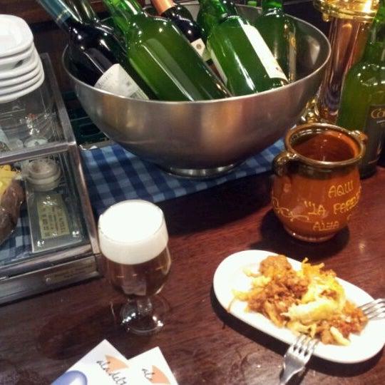 Foto tomada en Carlos Tartiere Restaurante Sidrería por Sup el 9/25/2011