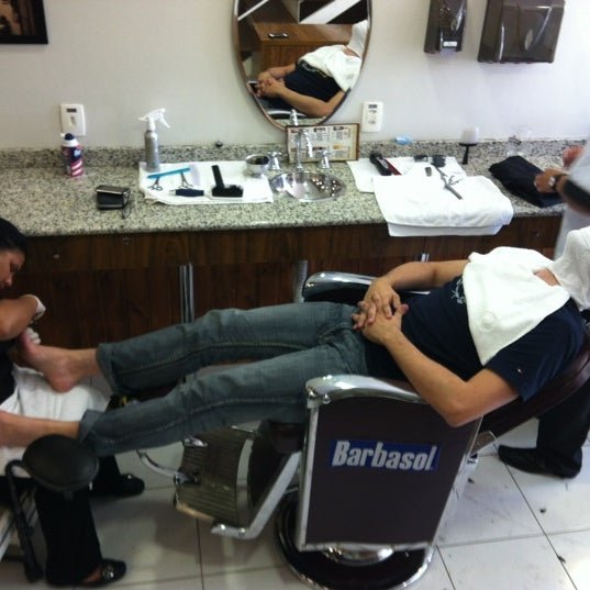 Foto tirada no(a) Barbearia Clube por Edgar W. em 3/24/2012