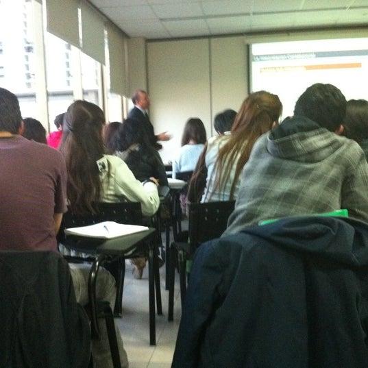 Foto tomada en Universidad Andrés Bello por Alvaro S. el 9/5/2011