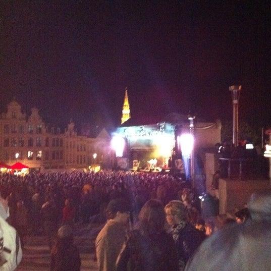 Photo taken at Paleizenplein / Place des Palais by Aude v. on 8/14/2011