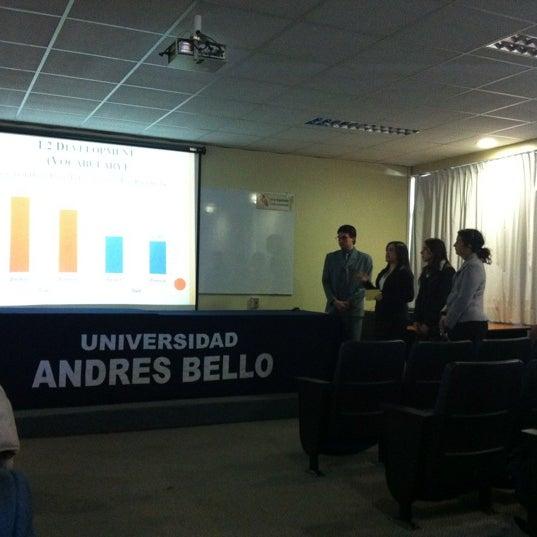 Foto tomada en Universidad Andrés Bello por Viviana S. el 7/27/2012