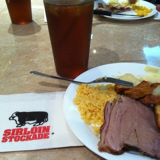 Photo taken at Sirloin Stockade Plaza Loreto by Paloma L. on 8/19/2012