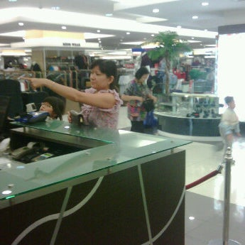Photo taken at Keris Departement Store by Boen L. on 9/15/2011