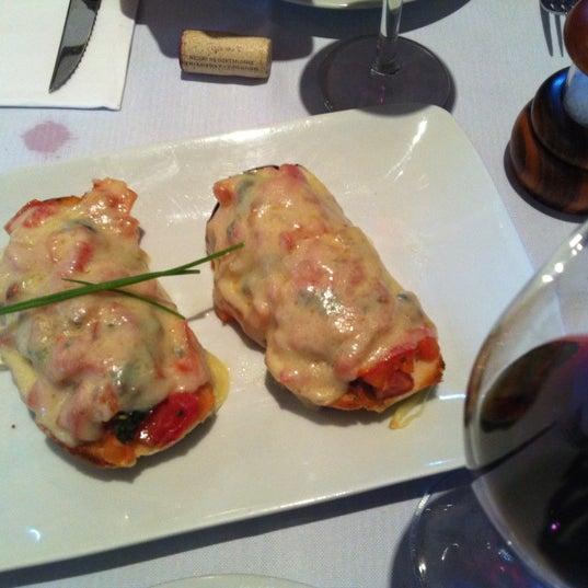 Foto tirada no(a) Zeffiro Restaurante por Patricia C. em 7/8/2012