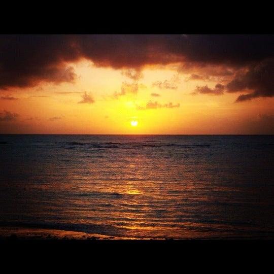Foto tirada no(a) Praia da Garça Torta por Layla V. em 1/3/2012