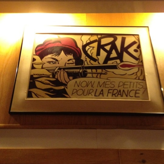 Photo taken at Pour La France by Hugo M. on 8/25/2012