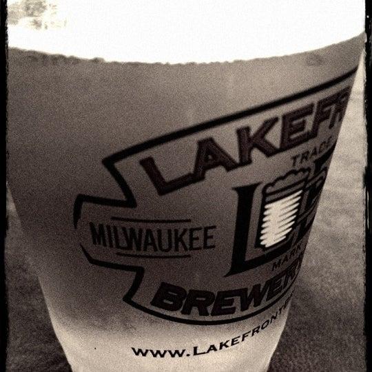 Photo prise au Lakefront Brewery par Kayla W. le5/11/2012