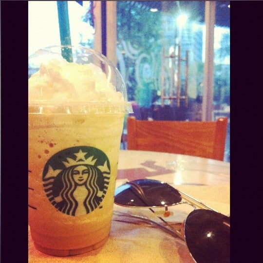 Photo taken at Starbucks by Mmy _. on 4/10/2012
