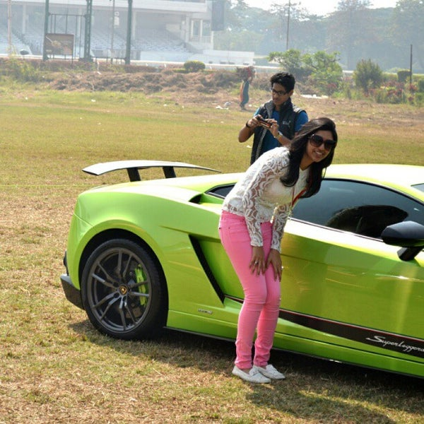 Photo taken at Mahalaxmi Race Course (Royal Western India Turf Club) by Mayur M. on 1/29/2013