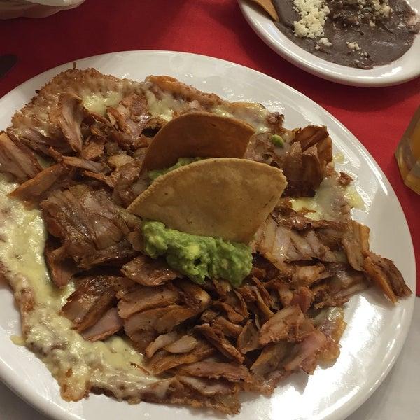 Foto tomada en Restaurante El Matador por Karen C. el 1/30/2018