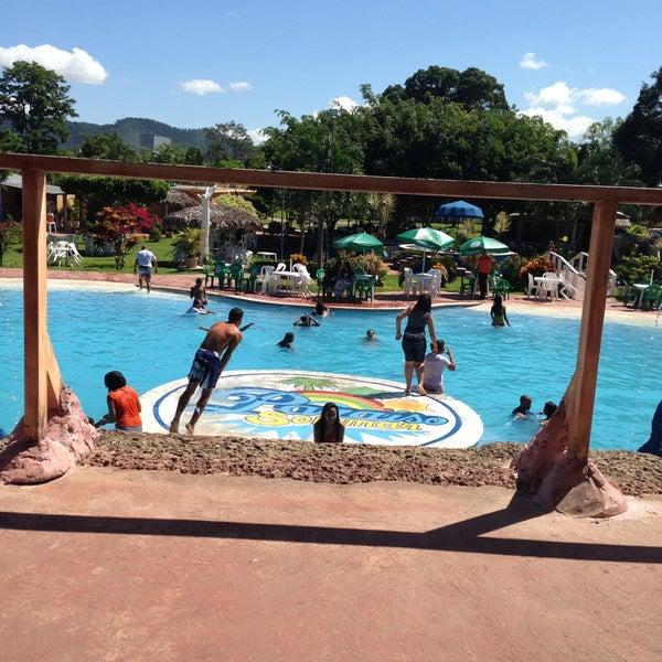 Fotos en paraiso solymar piscina for Piscina 29 de abril telefono