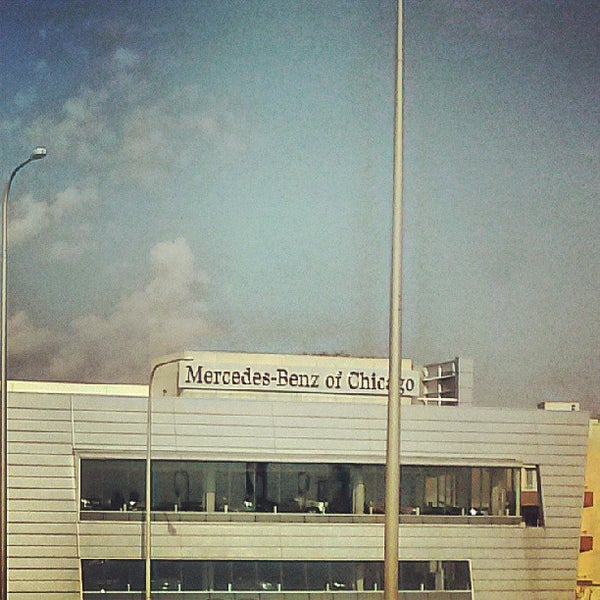 Mercedes benz of chicago bucktown chicago il for Mercedes benz of naperville il