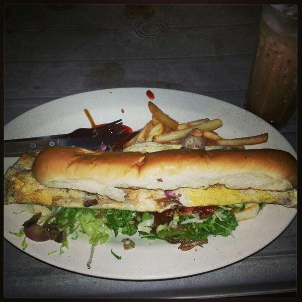 Photo taken at De Pauh Garden Restaurant & Cafe by Fitri F. on 1/22/2013