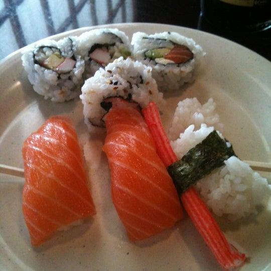 Blue fish japanese steak house and sushi bar sushi for Blue fish sushi