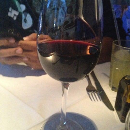 Foto tomada en Rocco & Simona Pizza al Forno por Tannia I. el 11/4/2012