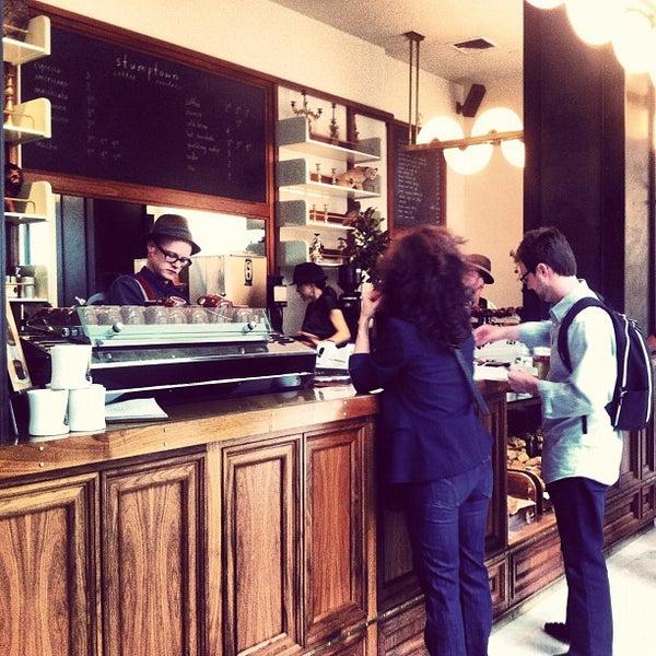 Photo taken at Stumptown Coffee Roasters by Lisa P. on 9/24/2012