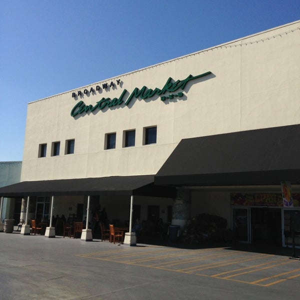 Central market gourmet shop in uptown broadway for Fish store san antonio