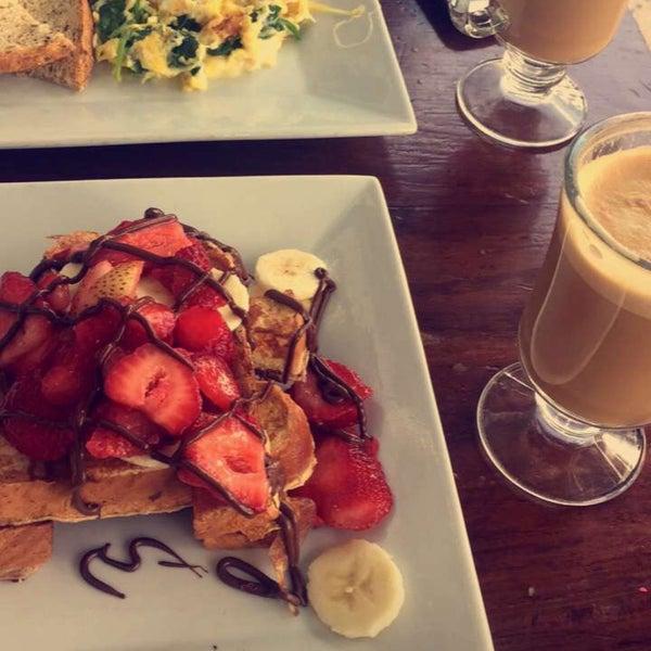 Photo taken at Angelina's Coffee & Yogurt by Noura ,. on 10/11/2017