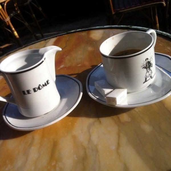 Un bistrot ds la grande tradition des bistrots de Paris. Parfait pour le petit déj et le déjeuner ds la terrasse ensoleillée.