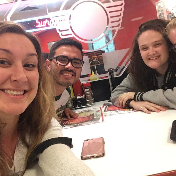 Photo taken at Steak 'n Shake by Madeleine C. on 5/10/2017