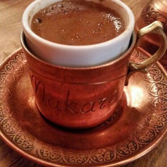 Photo prise au Makara Charcoal Grill & Meze par Selim S. le6/4/2015