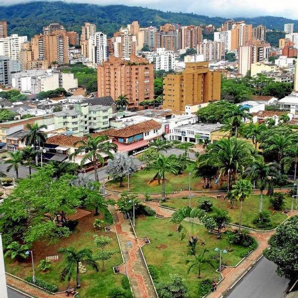 Uno de los parques más emblemáticos de la ciudad, cuenta con 18 bancas y alrededor de 30 palmas de distintas especies. Fundado en el año 1978 en honor al General Argentino José de Sanmartín.