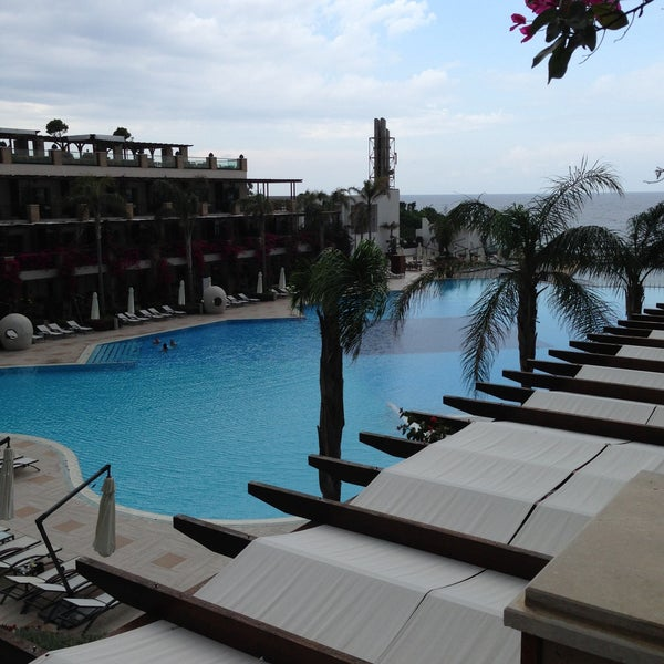 Foto scattata a Cratos Premium Hotel & Casino da Altan K. il 5/12/2013