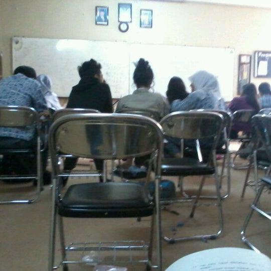 Foto diambil di SMA Negeri 25 Bandung oleh Anggi A. pada 1/26/2013