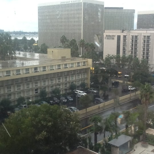 Photo taken at Four Points by Sheraton Los Angeles International Airport by Tonatiuh G. on 11/8/2012