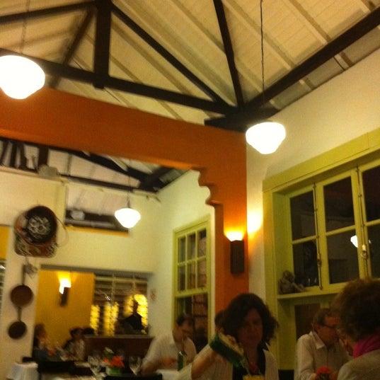 Foto tirada no(a) Zeffiro Restaurante por Ana S. em 9/22/2012