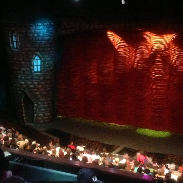 Foto tirada no(a) Teatro Aldama por Ninii Z. em 3/30/2013