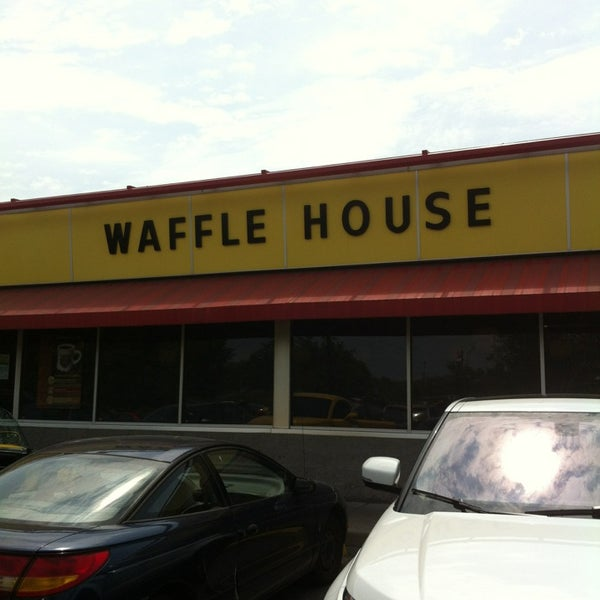 Photo taken at Waffle House by Chris A. on 5/18/2013
