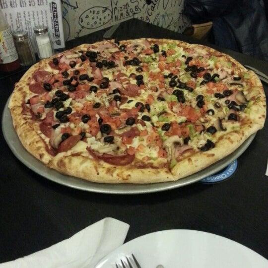 Photo taken at Ronny's Pizza Saburtalo | რონის პიცა საბურთალო by Vazha M. on 11/27/2012
