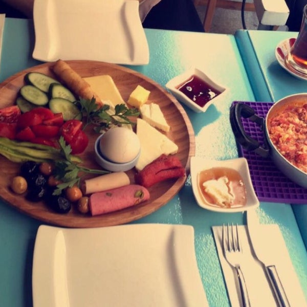 3/2/2017 tarihinde Emre İ.ziyaretçi tarafından Otlangaç Kahvaltı & Kafe'de çekilen fotoğraf