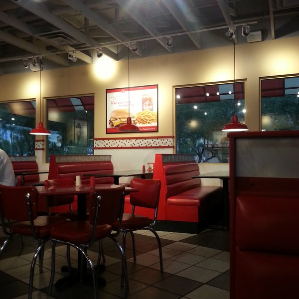 Photo taken at Freddy's Frozen Custard and Steakburgers by Norm S. on 11/3/2016
