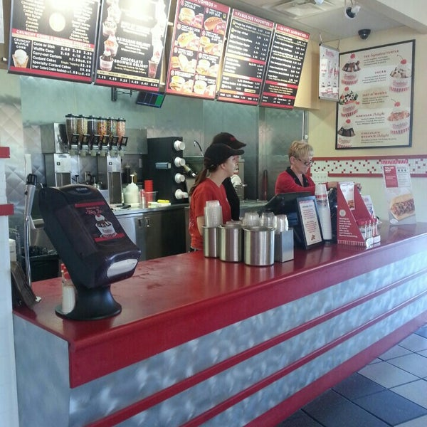 Photo taken at Freddy's Frozen Custard and Steakburgers by Norm S. on 5/24/2015